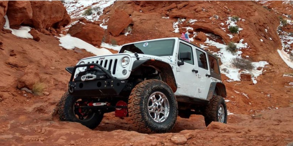 Jeep-Wrangler-with-Rancho-Shocks-On-the Trail
