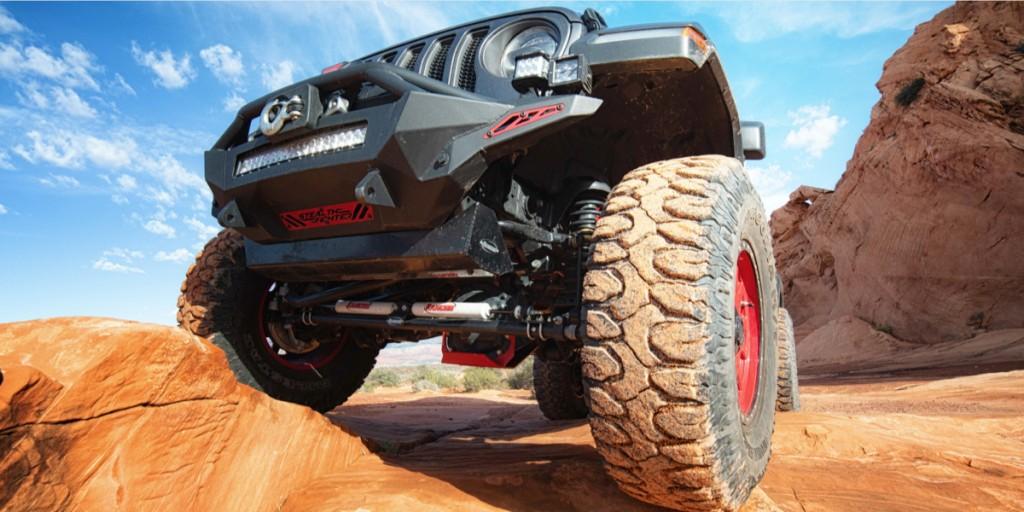 Rancho-Shocks-On-Rock-Crawling-Jeep