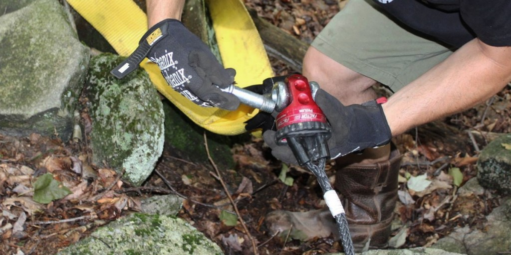 Hooking-Up-Tow-Strap-Vehicle-on-Trail